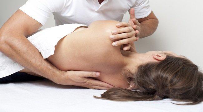sesiones de osteopatía para hipocifosis en barcelona con simplybe